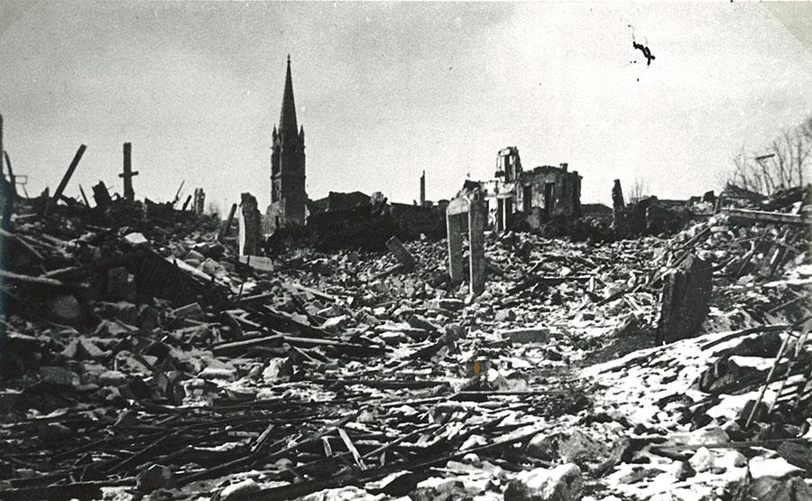 """Résultat de recherche d'images pour """"bombardement de Royan 5 01 1945"""""""