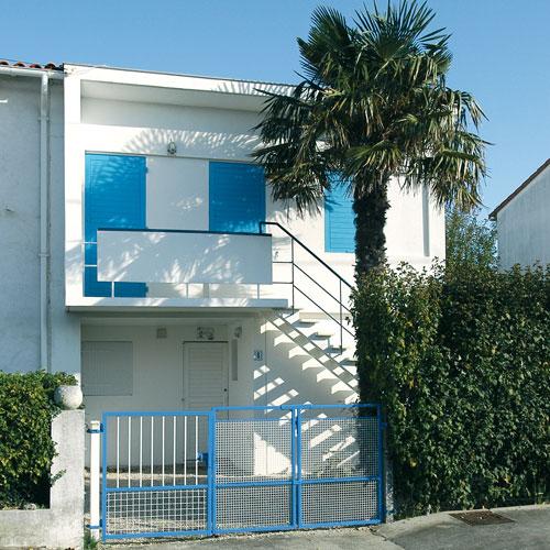 Petite maison architecte petite maison moderne modle for Architecture petite villa